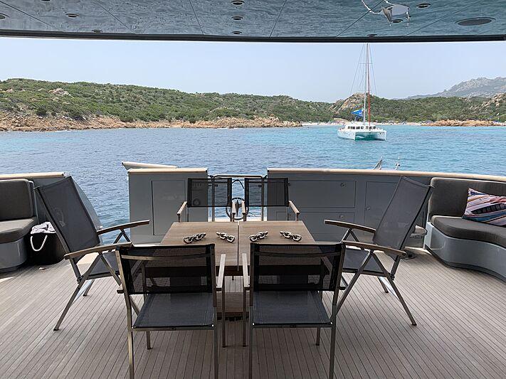 4US yacht deck