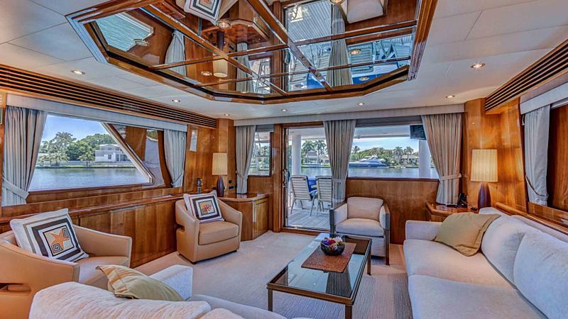 Yacht Lion's Den saloon