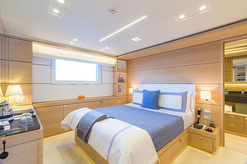 Narvalo yacht stateroom