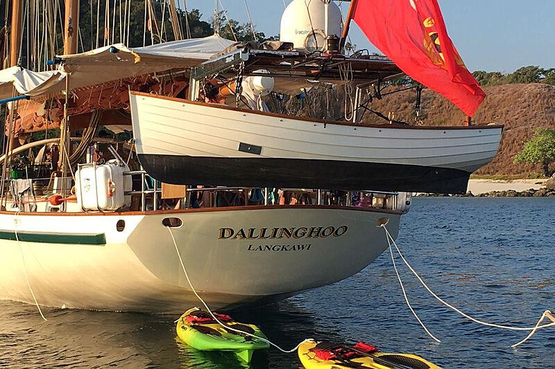 Dallinghoo yacht stern