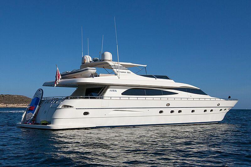 Jurik yacht anchored