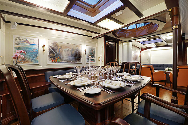 Asgard yacht dining