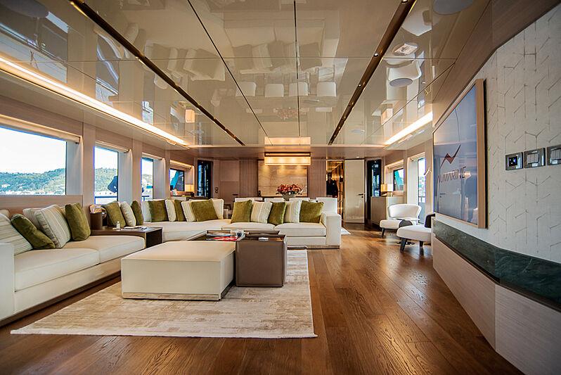 7 Diamonds yacht saloon
