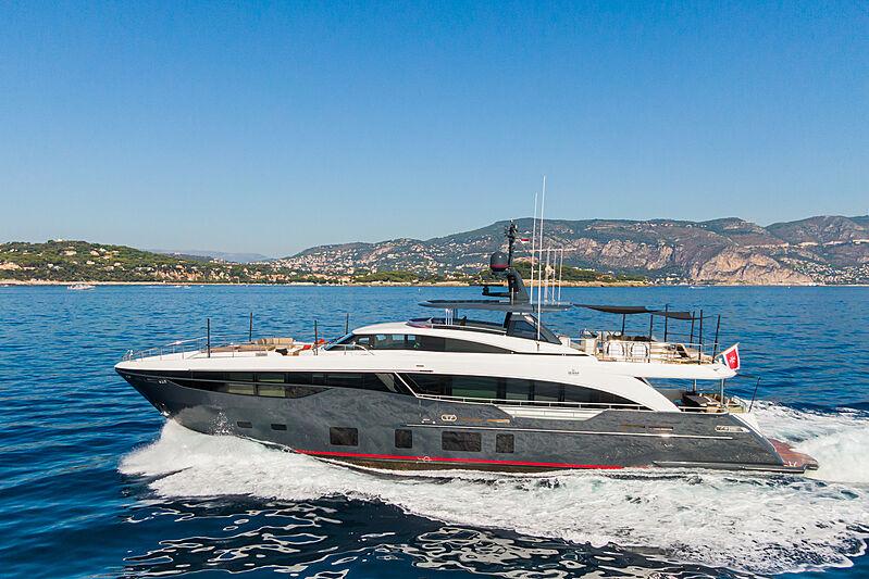Samba yacht cruising