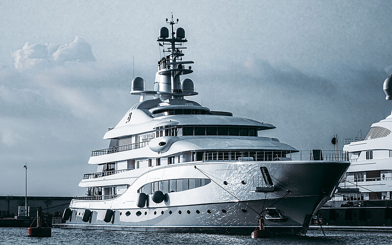 Mayan Queen IV yacht by Nlohm + Voss in Antibes