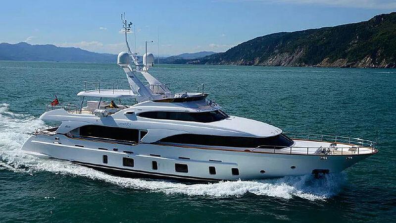 Serenity Mia yacht cruising