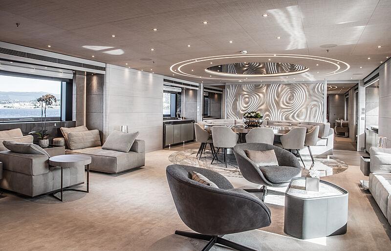 Severin's yacht saloon