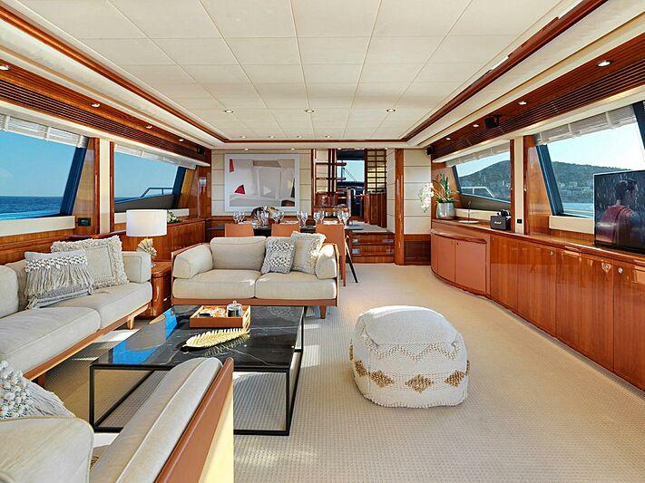 Elite yacht saloon