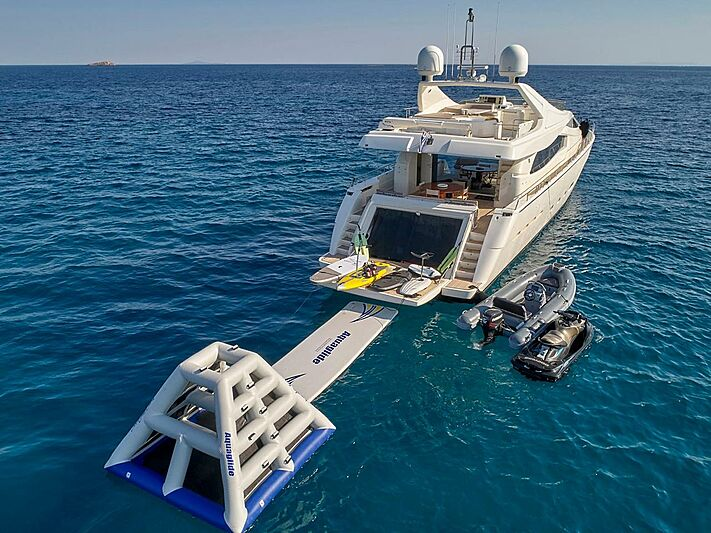 Elite yacht stern with toys