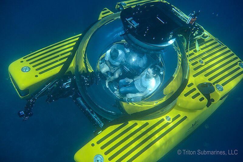 Triton 3300/3 submarine toy