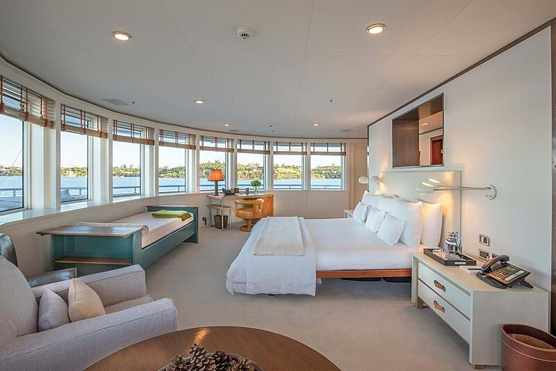 C2 yacht stateroom