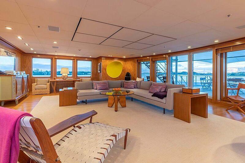 C2 yacht saloon