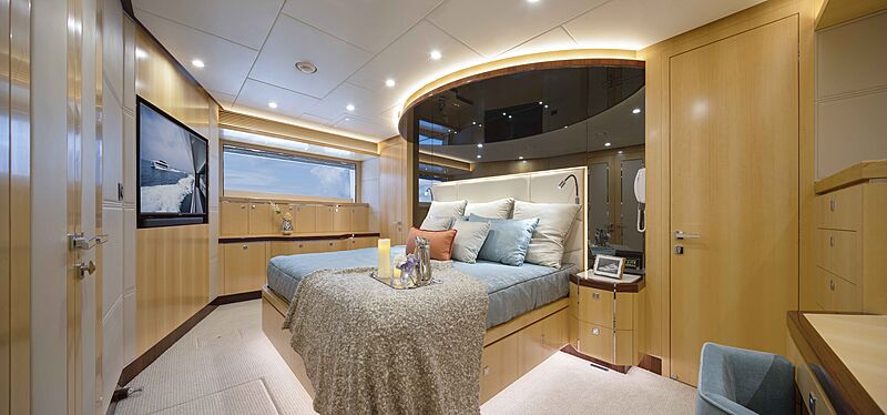 FD90 Hull 14 yacht stateroom