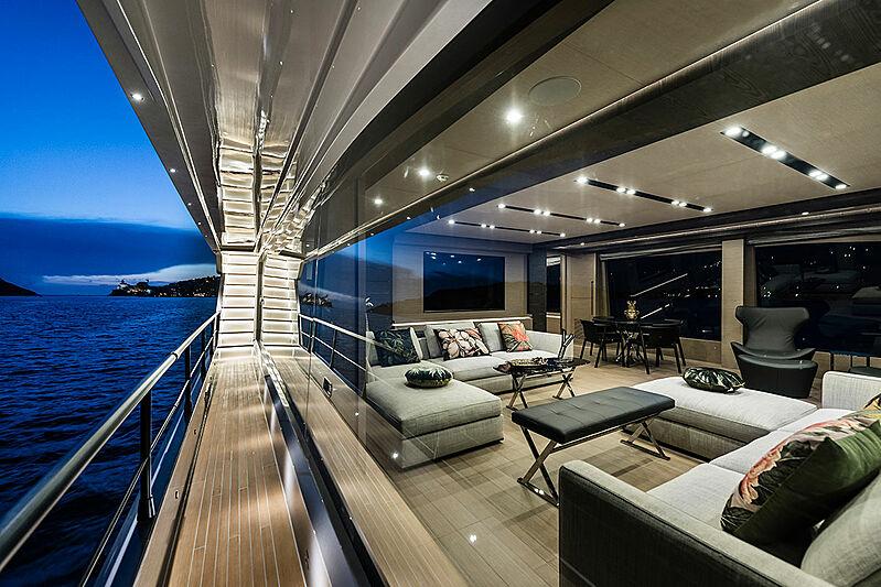 Lady Nina yacht by Maiora