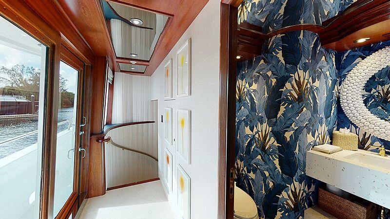 Wonder yacht staircase