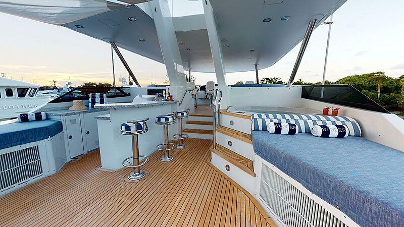 Wonder yacht sundeck