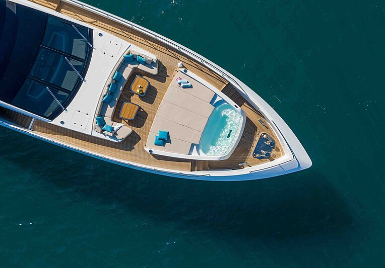 Perfect Lady yacht deck