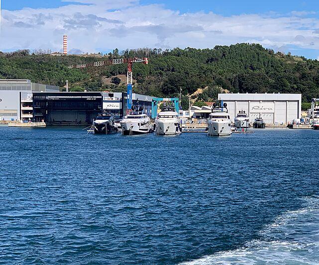 TELLI yacht Custom Line