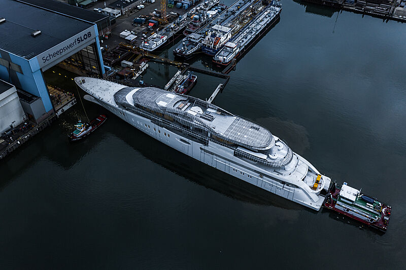 Feadship project 1010 under construction