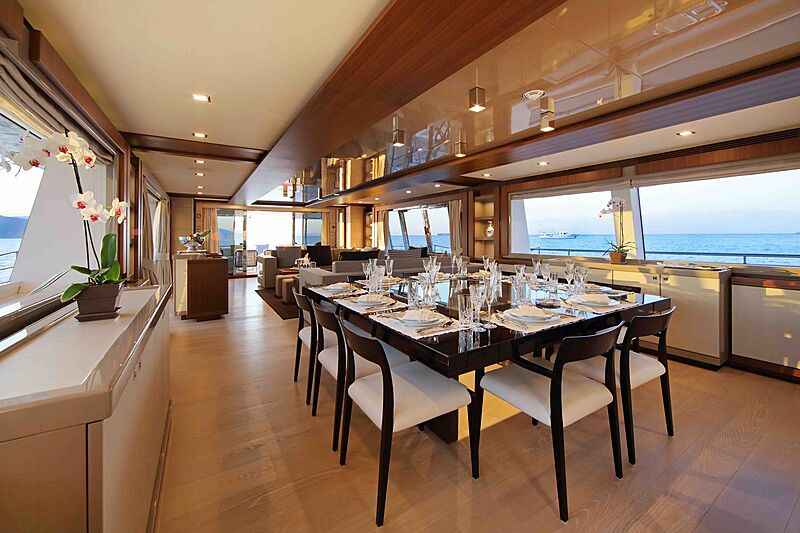 Lady Dia yacht dining