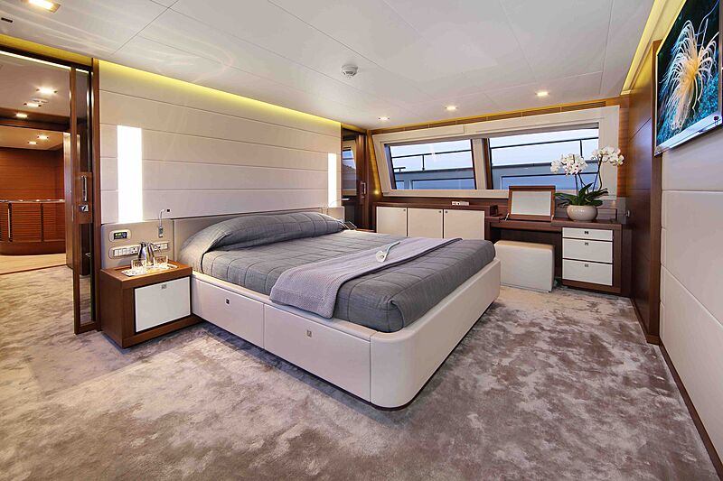 Lady Dia yacht stateroom