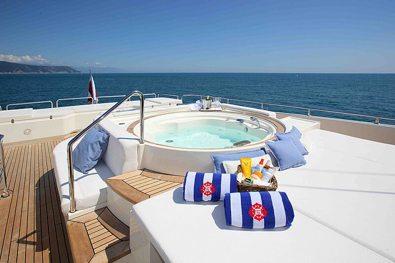 Lady Dia yacht jacuzzi