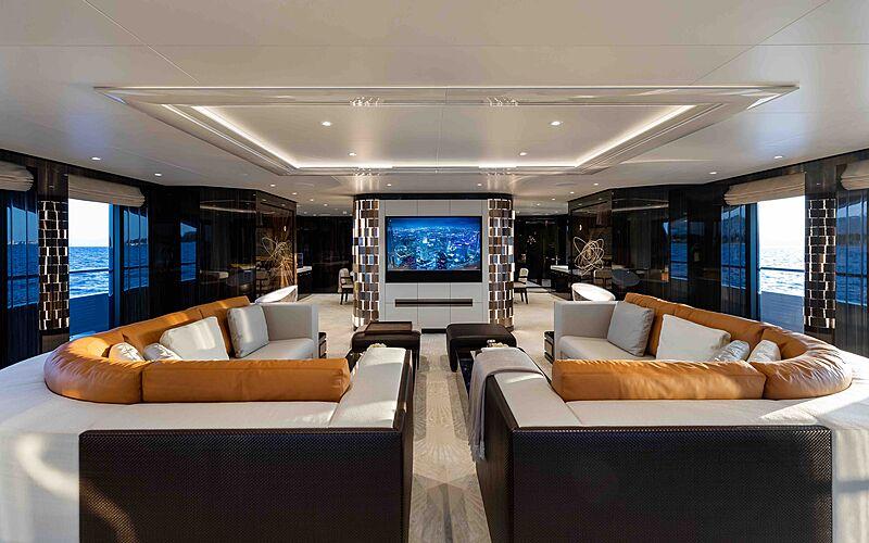 Soaring yacht saloon