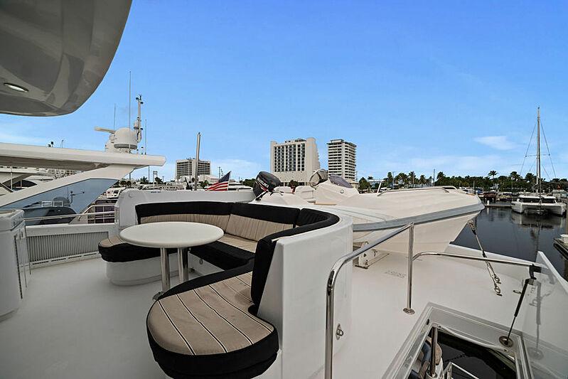 La Mer yacht deck