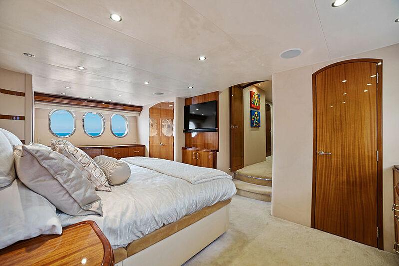 La Mer yacht stateroom