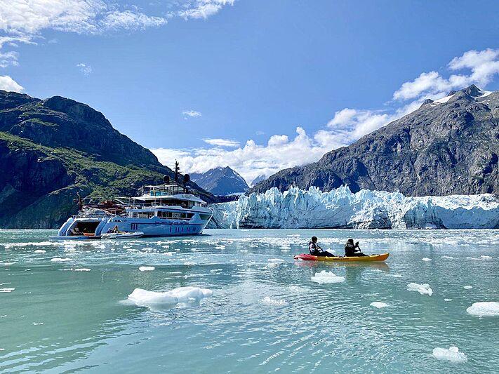 Ocean Dreamwalker III yacht lifestyle