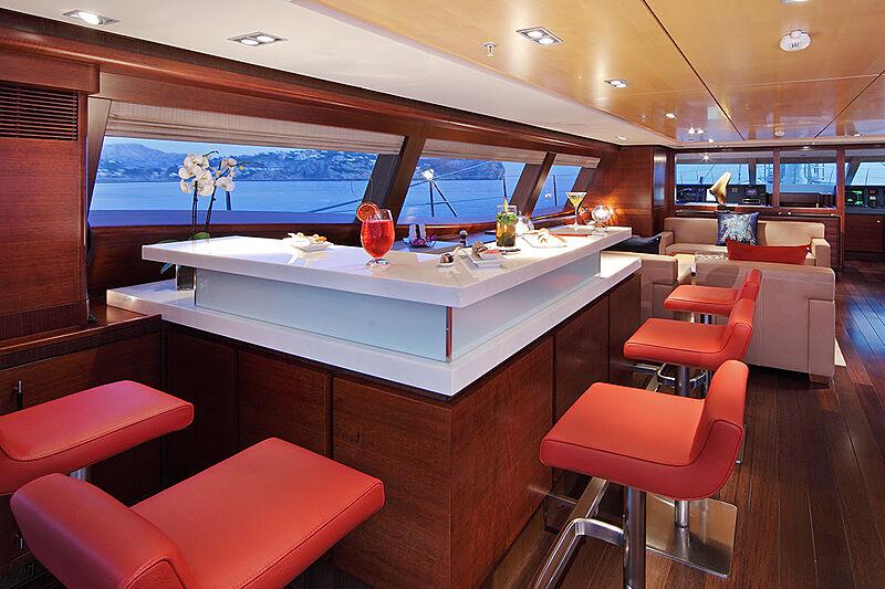 Prana yacht bar