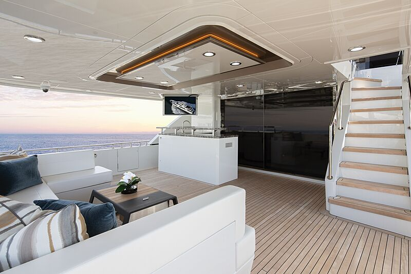 Eileen's Way yacht aft deck