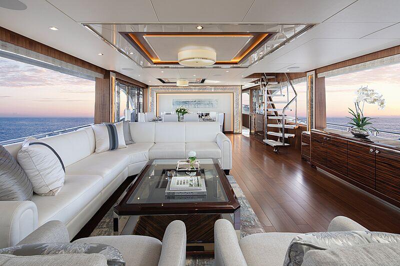 Eileen's Way yacht saloon