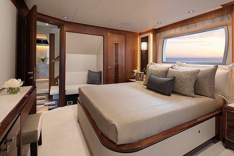 Eileen's Way yacht VIP stateroom