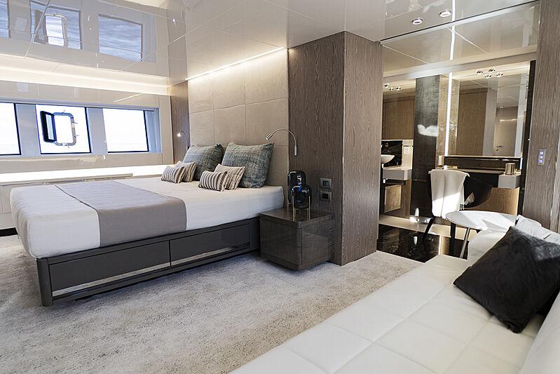 Arcadia A85 Hull 18 yacht stateroom
