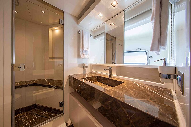 Balance yacht bathroom
