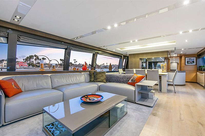 Lontano yacht saloon