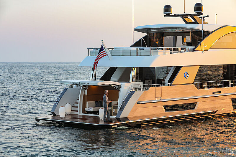 Ocean Alexander 28R07 yacht stern