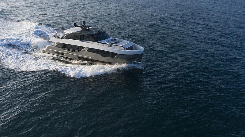 Ocean Alexander 28R07 yacht cruising