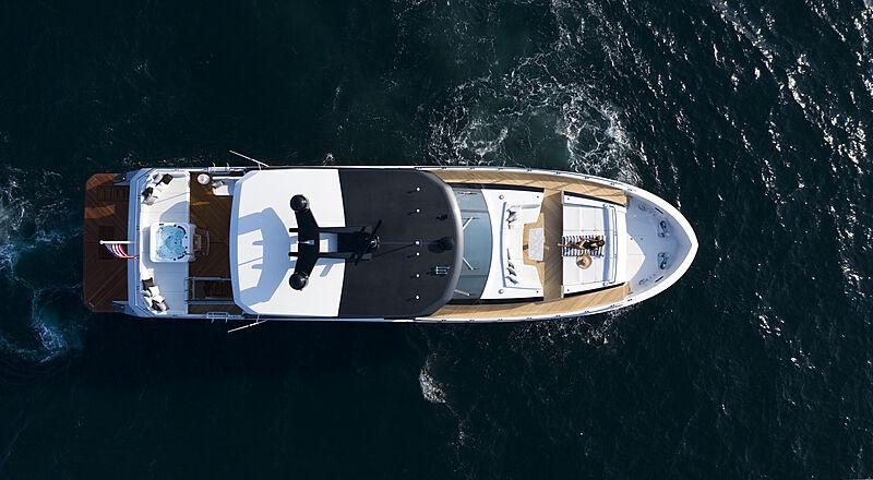 Ocean Alexander 28R07 yacht overhead view