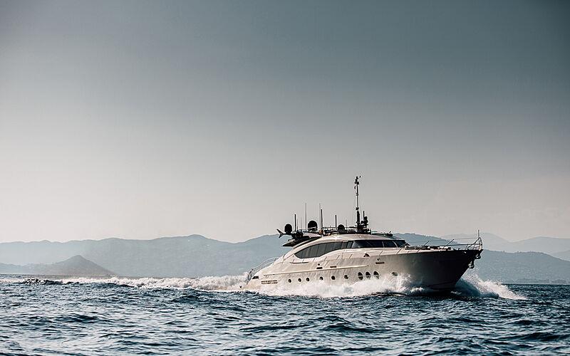Bagheera yacht cruising