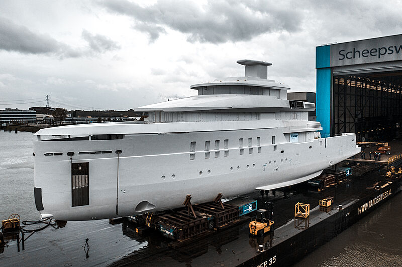 Feadship project 708 under construction