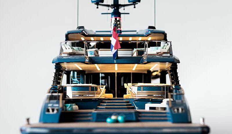 Phi yacht model