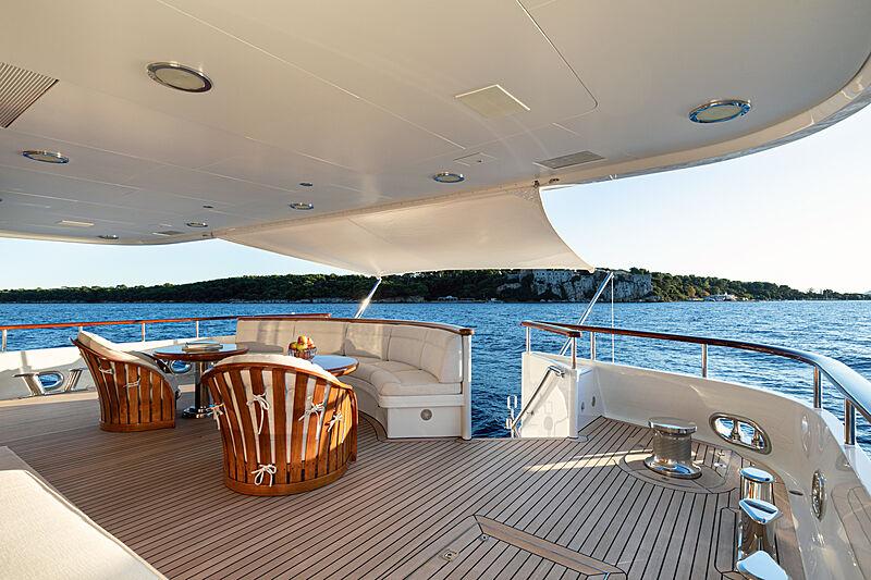 Sea Huntress yacht aft deck