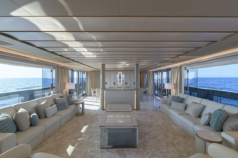 EIV yacht saloon