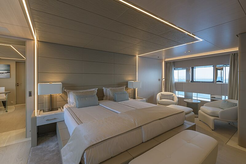 EIV yacht stateroom