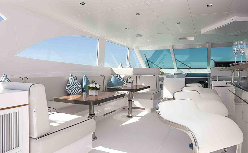 Wild Duck yacht deck bar