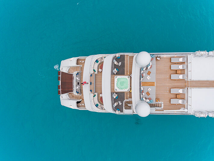 Double Down yacht stern