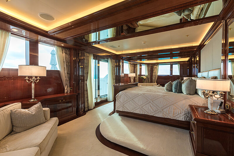 Double Down yacht stateroom