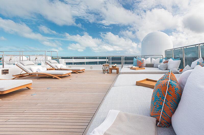 Double Down yacht sun deck